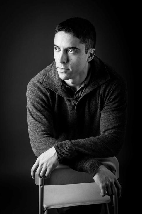 studio online dating portraits