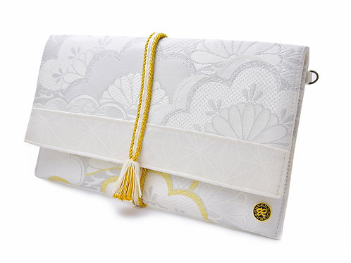 White Kasamatsu Bridal Clutch