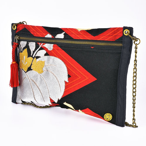 Red & Black Kiri Thin Art Zipper Clutch