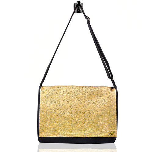 Kin Shoulder Bag