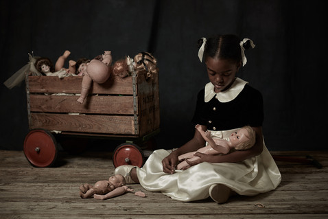 DOLL  COLLECTOR 2 (2017)