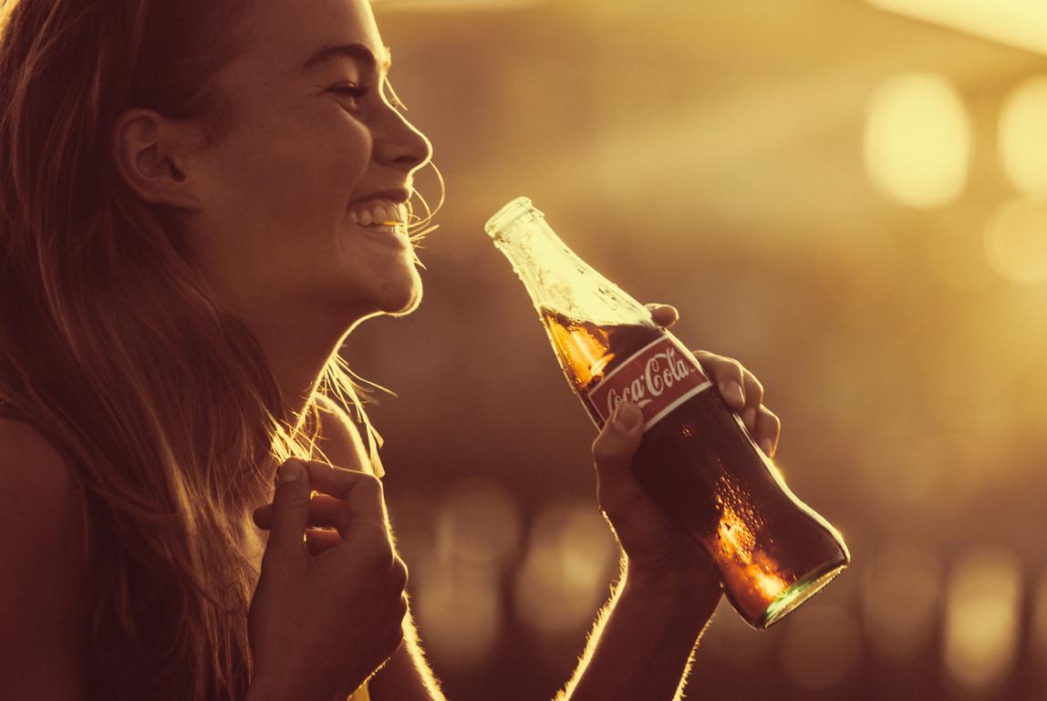 Coca-Cola_by_Mauricio_Candela-04.jpg