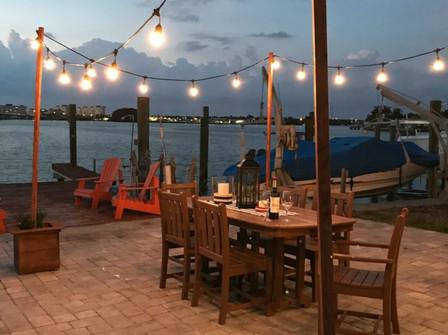 outdoor-cafe-DIY-string-lights-H2OBungal