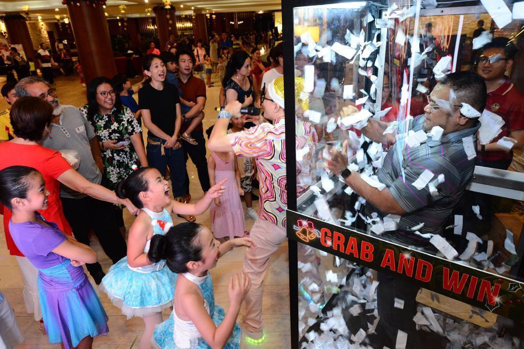 cash grab machine singapore