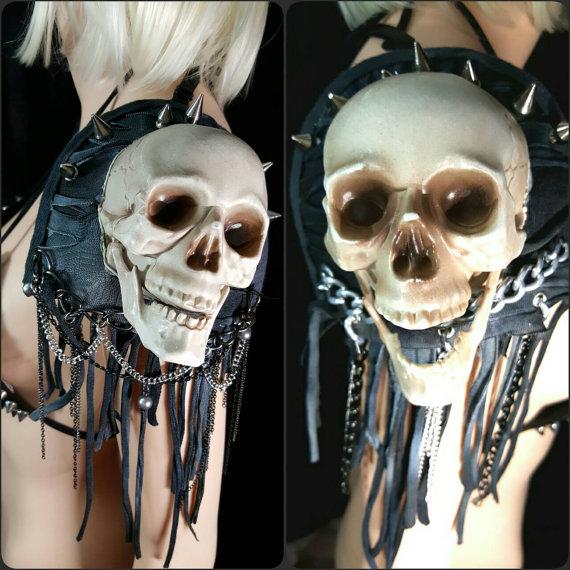 Skull epaulettes