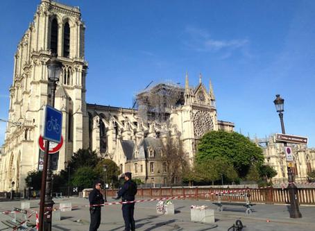 Un monde s'en est allé dans les flammes de Notre-Dame de Paris