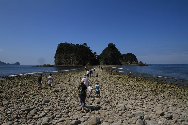 0208浅賀丈吉堂ヶ島トンボロ8月28日10時0分海の道開く