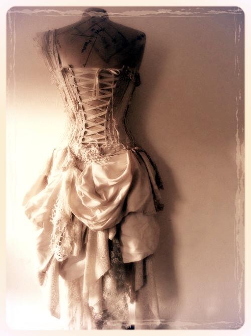 Prom & Dress