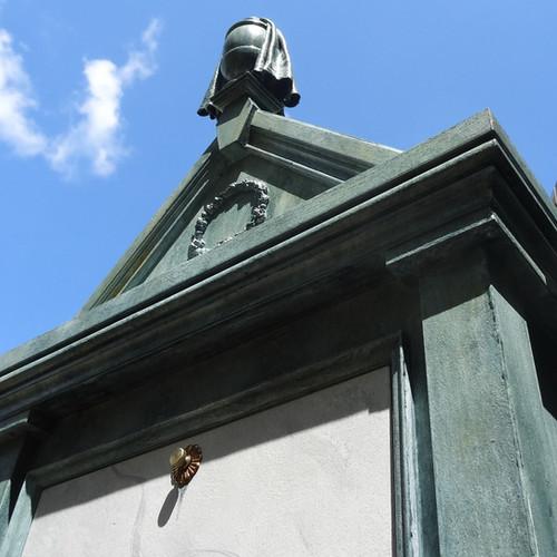 Mausoleum Cremation Urn Cabinet