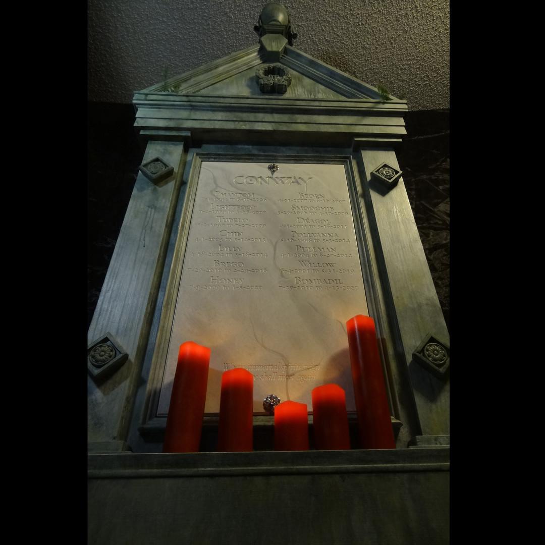 Mausoleum Crematio Urn Cabinet
