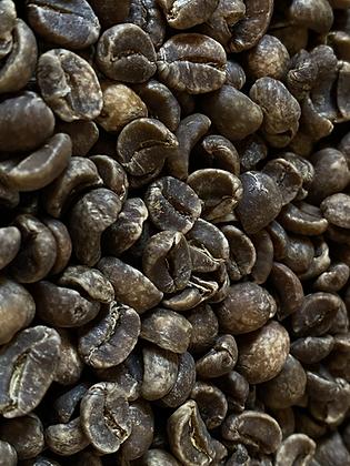 化学薬品を一切使わず安全にカフェインを除去するマウンテンウォーター製法を採用。  スペシャルティでありながらオーガニック。  デカフェの概念を変える一杯に。  妊婦の方。カフェインアレルギーの方。試す価値ありです。