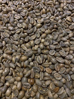 少しゲイシャっぽさも感じさせながら、品のある甘みと控えめな苦みを楽しめる良い豆です。そして香り良し。深く煎って贅沢な仕上がりに。  価格なりの価値があります。