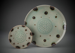 Small and large platter
