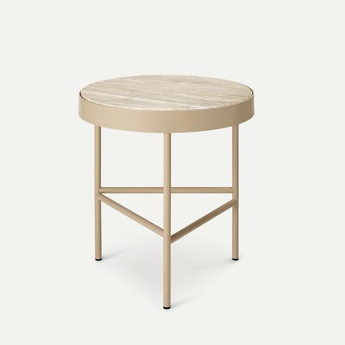 Table d'appoint en travertin et métal by Fermliving