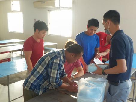 全民防疫一起來 立人團隊協助外籍勞工線上訂購口罩