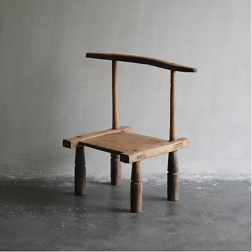 Chaise en bois décorative