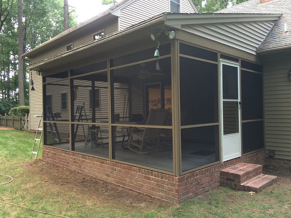 Salisbury, MD screened in patio install and paint