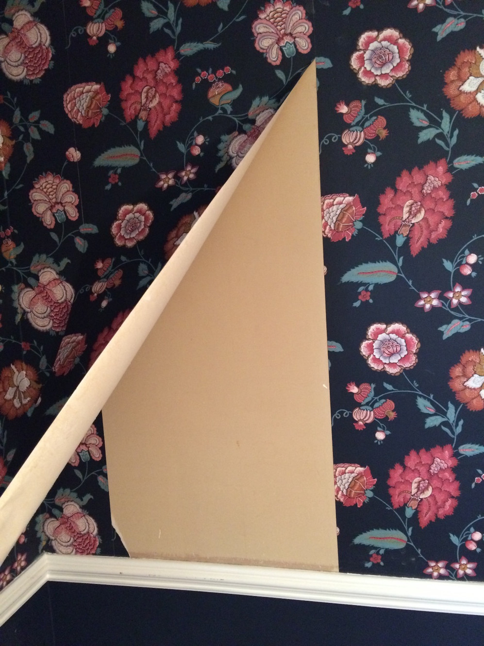 How much does it cost to remove wallpaper in Salisbury, MD?