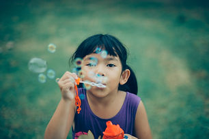 adorable-bubbles-child-333529.jpg