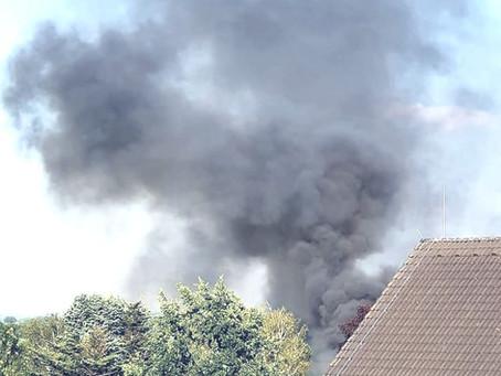 PKW geht in Flammen auf