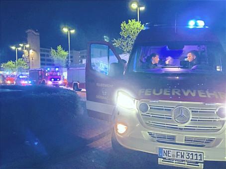 Feuerwehren aus dem Rhein-Kreis Neuss unterstützen beim Waldbrand in Niederkrüchten