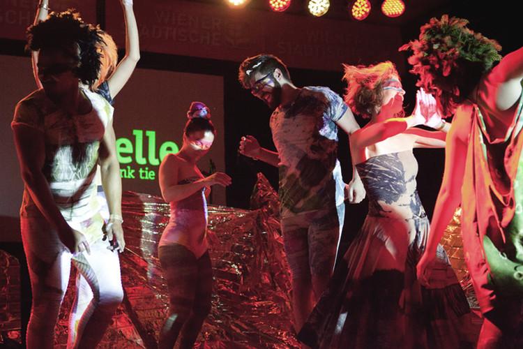 Ex und Hopp Fashion Performance