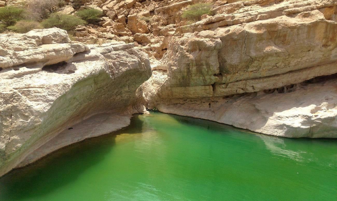 visiting-wadi-bani-khalid-oman-12