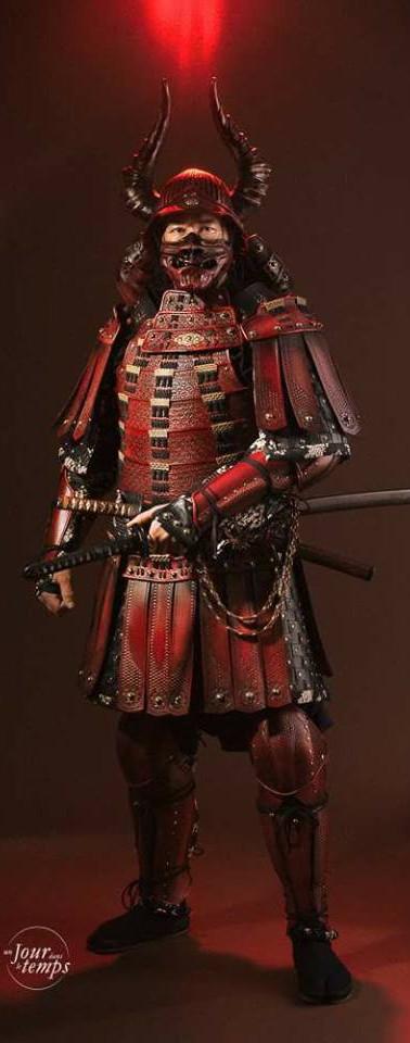 Samouraï_-_Les_vertugadins_Costume.jpg