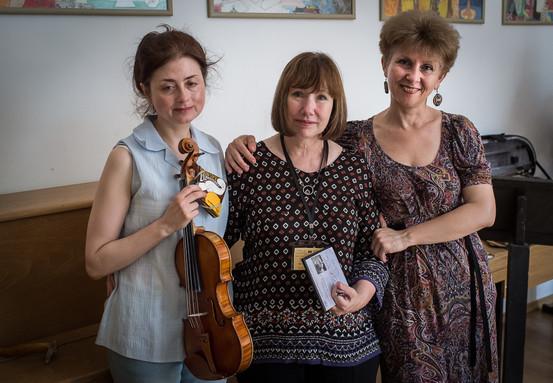 Lynn with Bulgarian colleagues