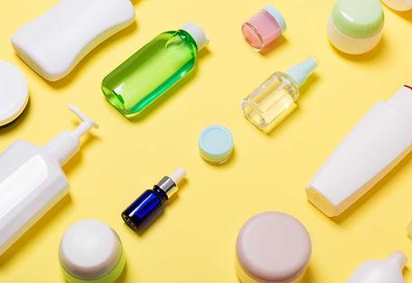 Negocios-desde-casa-con-productos-cosmeticos-de-marca-propia