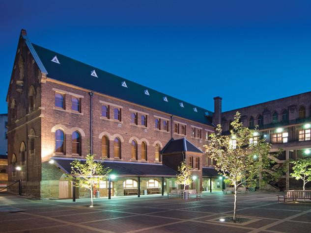 UNDA Broadway Campus