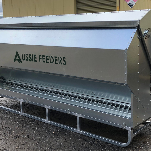 2800ltr (2ton) x 3m Sheep Lick Feeder on Skids