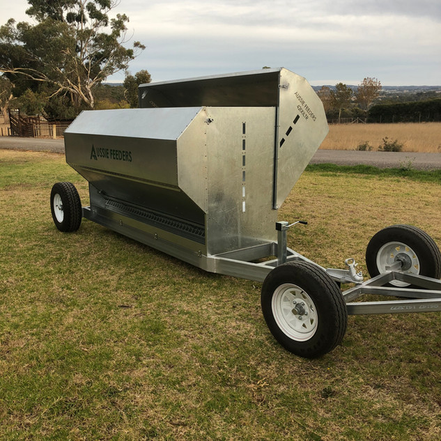 4200ltr (2.8ton) 3m long Sheep Lick Feeders