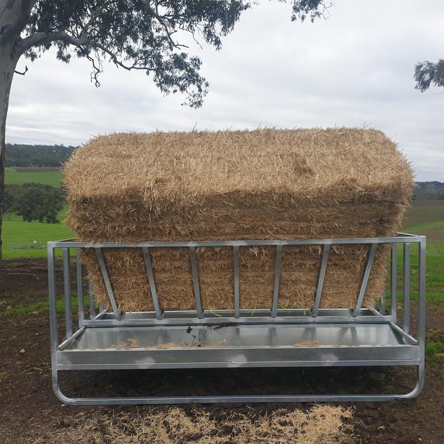 Square Bale feeder