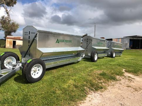 2300ltr trailer feeders
