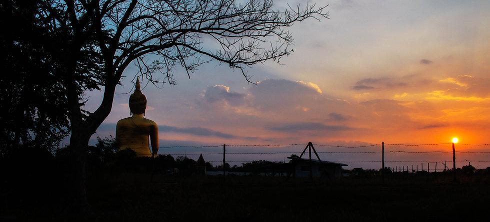 buddha-with-the-sunrise-PC2LC4L.jpg