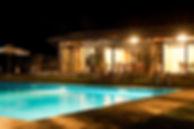 Piscina-Notturna-1030x683.jpg