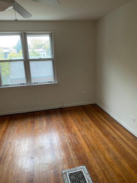 Little unoccupied house - bedroom