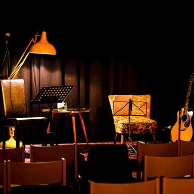 Bühnensetting DER SALON