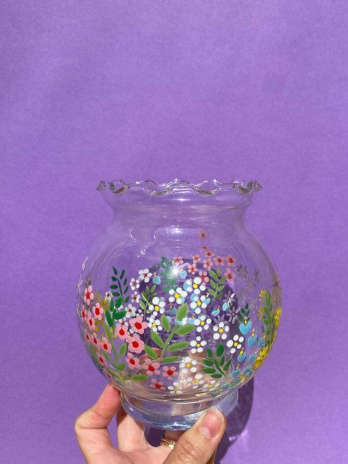 Vintage scallop edged vase