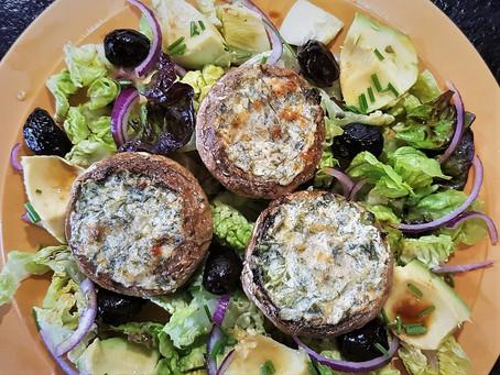 Champignons farcis aux deux fromages en salade