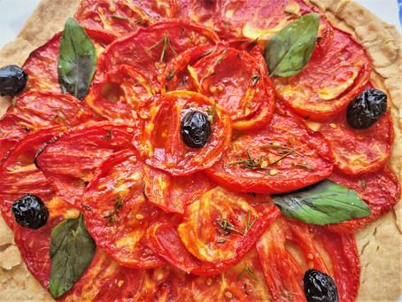 Tarte fine aux tomates et olives noires