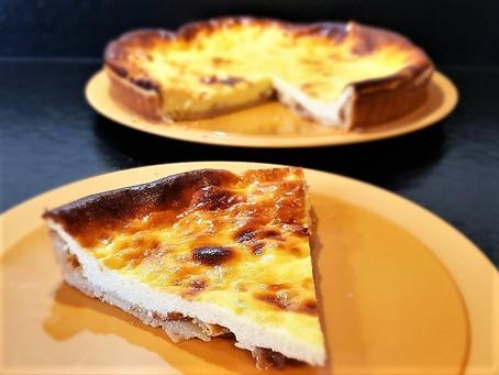 Tarte hongroise au fromage blanc, raisins secs et zestes de citron