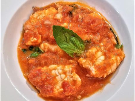 Lotte à la sauce de tomates fraîches et basilic, simple et léger