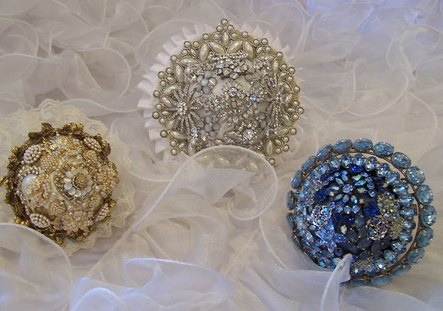 Vintage brooch wedding bouquets.