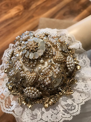Gorgeous Ivory Antique Gold Vintage Brooch Bouquet