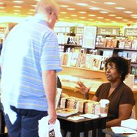 B&N Booksigning Peg and Schultz