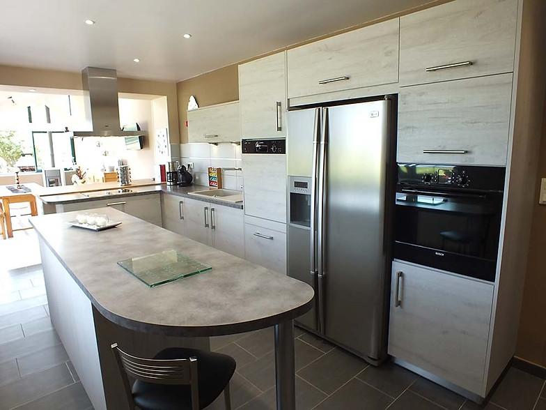 cuisine avec frigo americain iv66 jornalagora. Black Bedroom Furniture Sets. Home Design Ideas