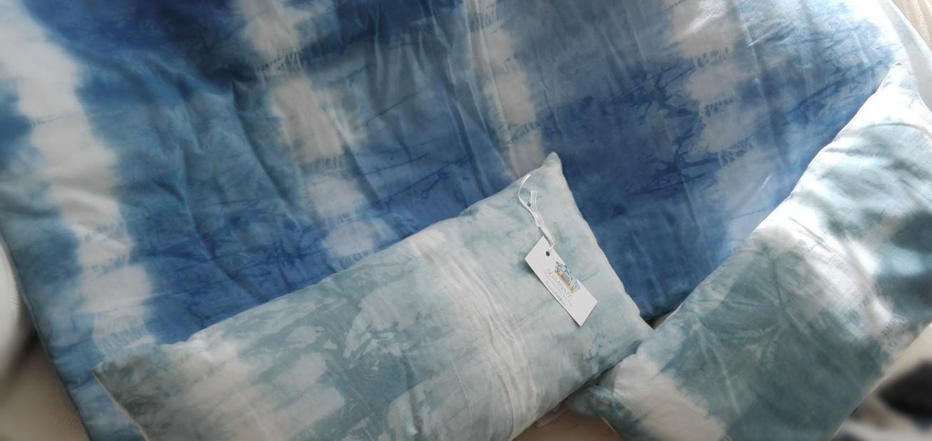 Cobertor y Cojines. Indigo