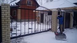 Монтаж ворот с элементами ковки